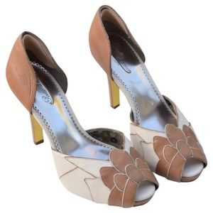 POETIC LICENSE Feel The Rhythm Peep Toe Pump 9 Tan